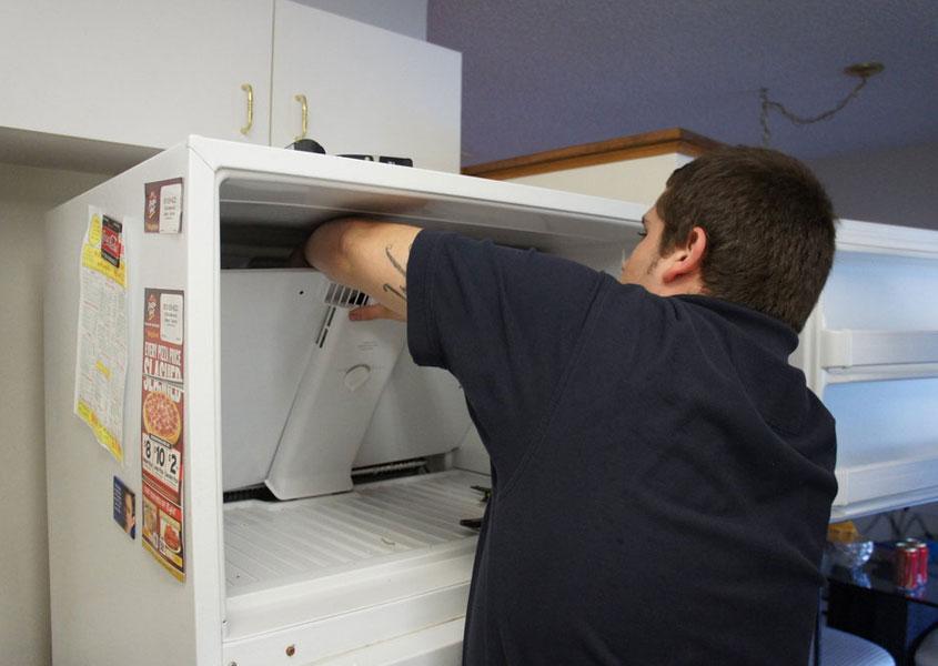İndesit Buzdolabı Yiyecekleri Donduruyor